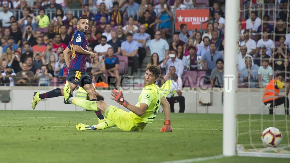 صور مباراة : برشلونة - هويسكا 8-2 ( 02-09-2018 )  97440162