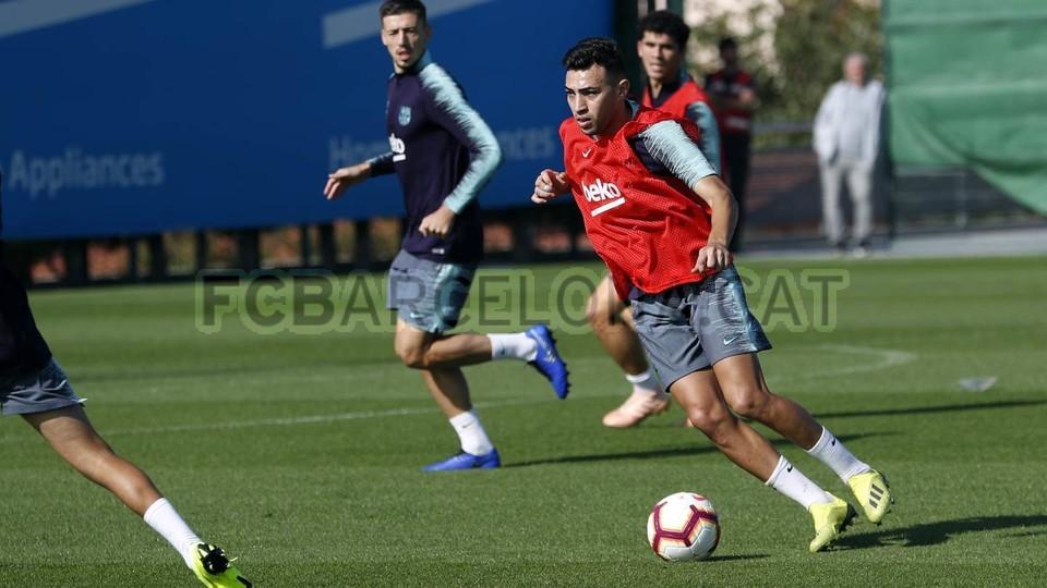 التدريبات متواصلة في برشلونة بانتظار التحاق آخر اللاعبين العائدين من المشاركة في المباريات الدولية مع منتخباتهم الوطنية 101157027