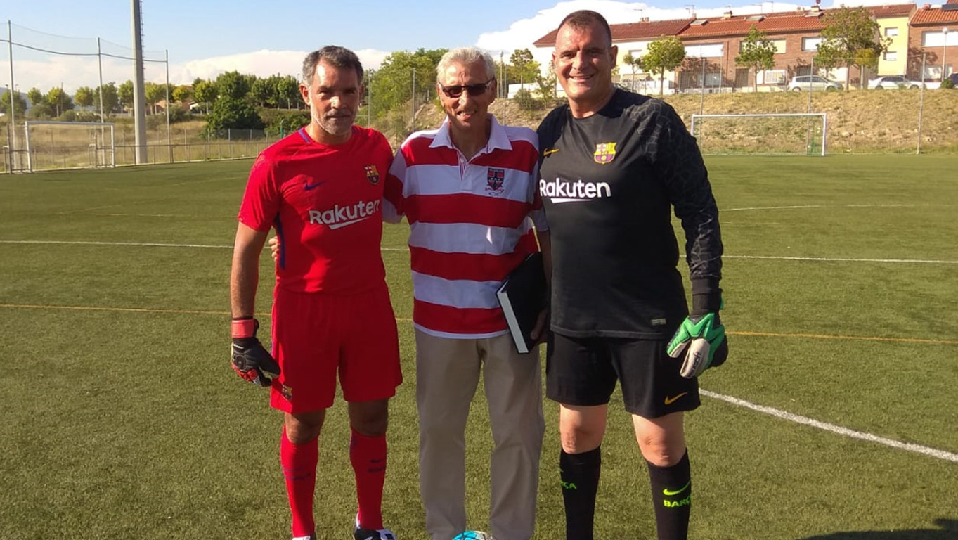 El equipo de la Agrupación participa en el centenario del club de Les Garrigyes y en la jornada del CF L'Arboç, con presencia del exportero azulgrana Salvador Sadurní