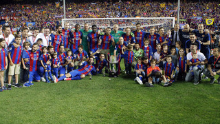 Barça become the first side since the 1950s to win the Copa del Rey three years in a row, on Luis Enrique's last game in charge