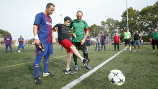 L'equip de l'Agrupació disputa un amistós al Camp de Canyelles amb el FC Càstic per agraïr la perseverància contra la malaltia del fill d'un dels jugadors locals