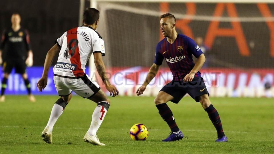 صور مباراة : رايو فاليكانو - برشلونة 2-3 ( 03-11-2018 )  102038436
