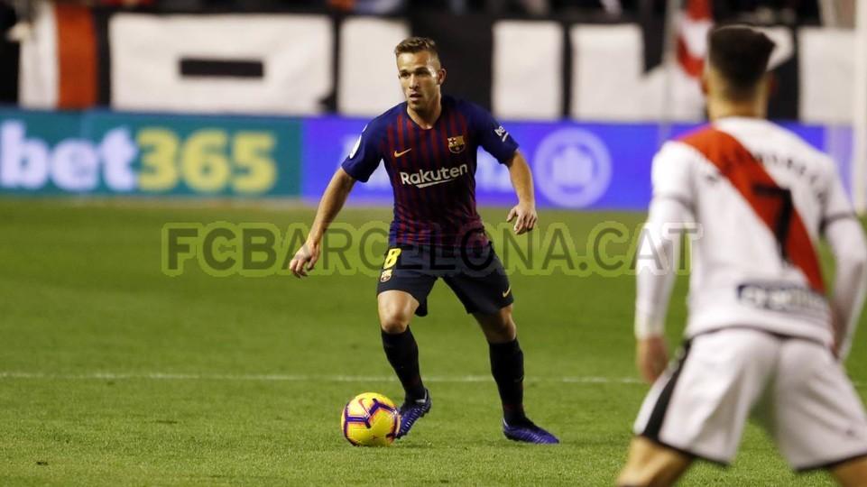 صور مباراة : رايو فاليكانو - برشلونة 2-3 ( 03-11-2018 )  102033064