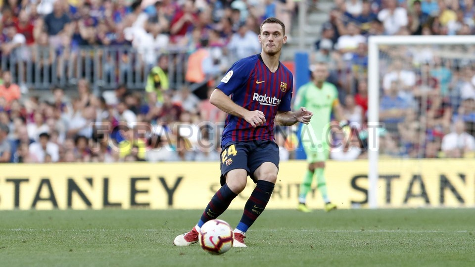 صور مباراة : برشلونة - بوكا جونيورز ( 16-08-2018 )  95975081