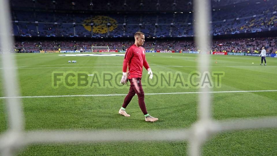 صور مباراة : برشلونة - إنتر ميلان 2-0 ( 24-10-2018 )  101552553