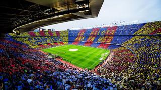 97.939 espectadors omplen el Camp Nou
