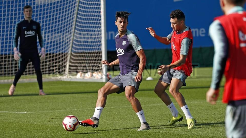 التدريبات متواصلة في برشلونة بانتظار التحاق آخر اللاعبين العائدين من المشاركة في المباريات الدولية مع منتخباتهم الوطنية 101157039