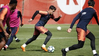 Thomas Vermaelen is out with a bruised left ankle, whilst Barça B player Carles Aleña is included in the 18-man squad