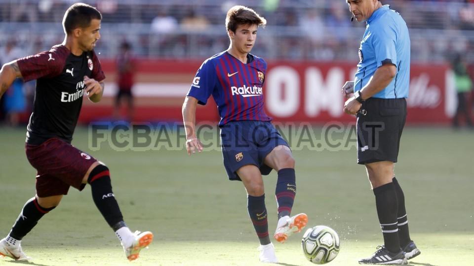 صور مباراة : برشلونة - ميلان 0-1 ( 05-08-2018 )  95385778