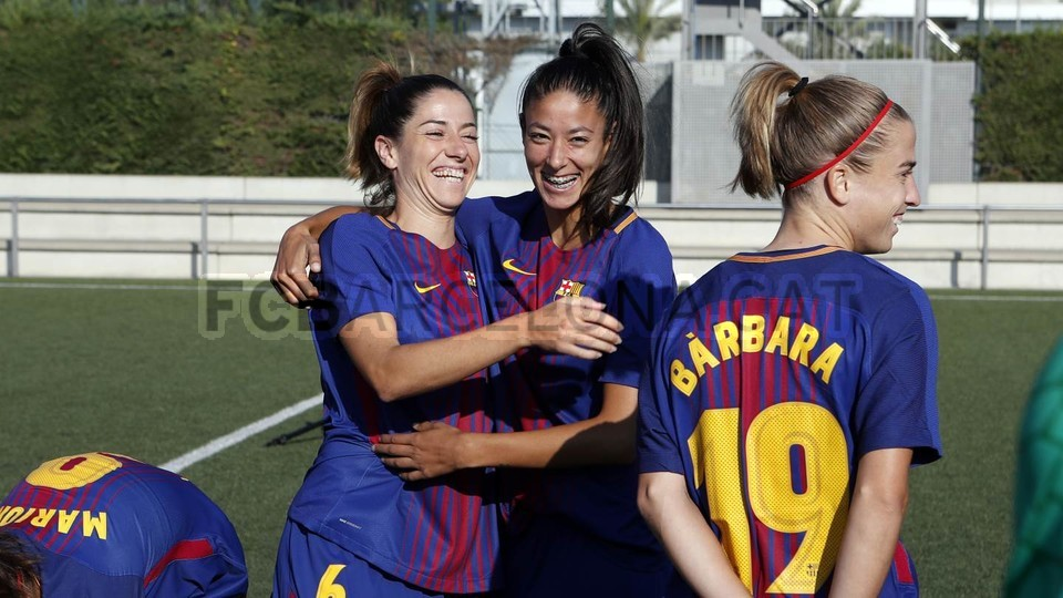 Official photo session for men 39 s and women 39 s football team fc barcelona - Forlady barcelona ...