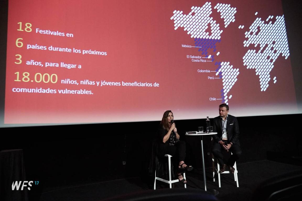 La directora general de la Fundació, Mària Vallès, ha explicat la col·laboració conjunta amb Scotiabank com un exemple de bona pràctica