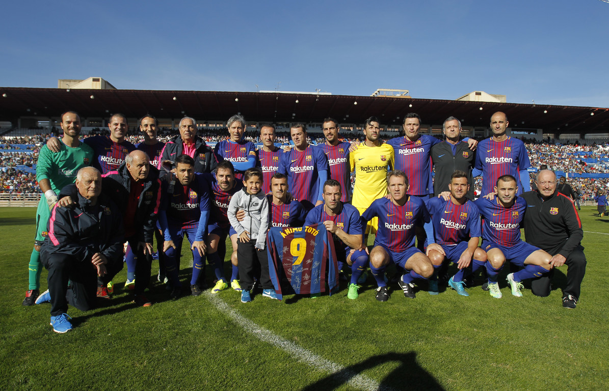 Former Barça and Zaragoza players star in the annual fight against child cancer at the Romareda.