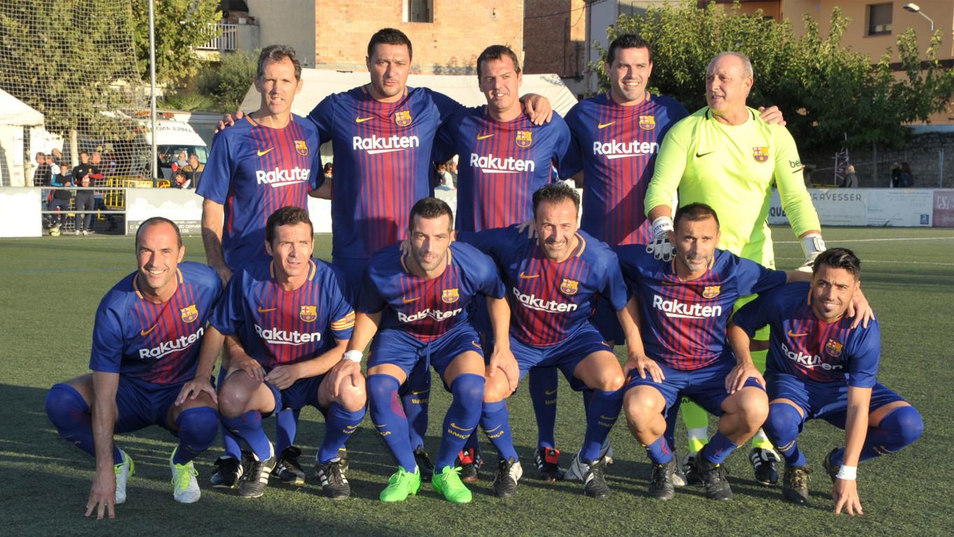 La Agrupación jugó un partido para celebrar el centenario del fútbol en Cervera con una presencia importante de exjugadores del FC Barcelona
