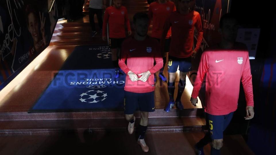 صور مباراة : برشلونة - إنتر ميلان 2-0 ( 24-10-2018 )  101552565