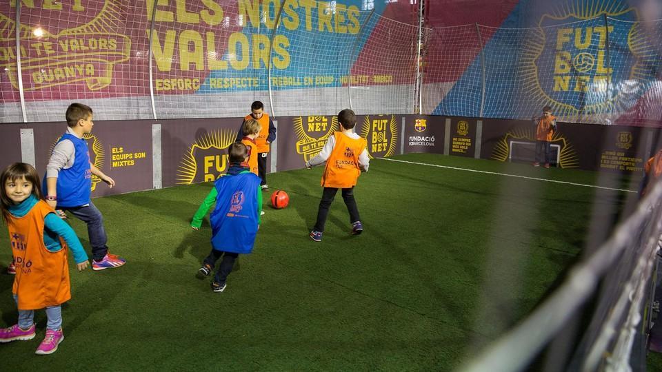 Fundacio La Fundacion Lleva El Proyecto Futbolnet Al Salon De La