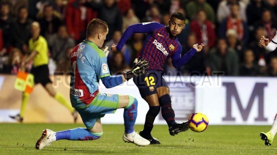 صور مباراة : رايو فاليكانو - برشلونة 2-3 ( 03-11-2018 )  102038454