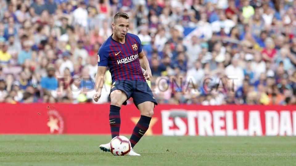 صور مباراة : برشلونة - بوكا جونيورز ( 16-08-2018 )  95975097