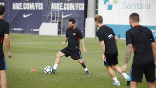The available members of the FC Barcelona squad get together for the penultimate time ahead of their trip to Vitoria in the Basque Country