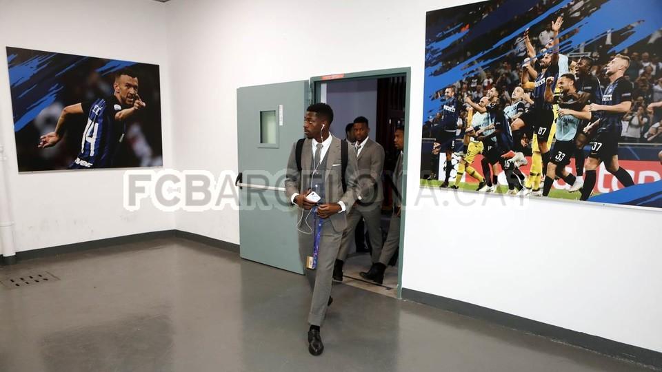 صور مباراة : إنتر ميلان - برشلونة 1-1 ( 06-11-2018 )  102198458