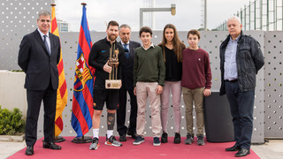 Leo Messi rep el premi Memorial Aldo Rovira 2016/17