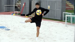 Luis Suárez training hard