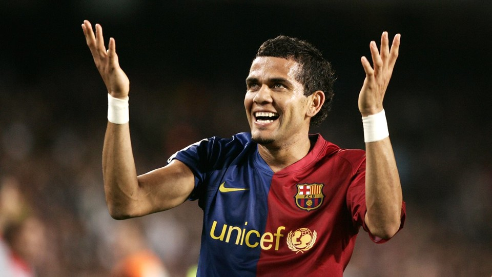 Dani Alves Captivated The Fans With His Outgoing Character Miguel Ruiz Fcb