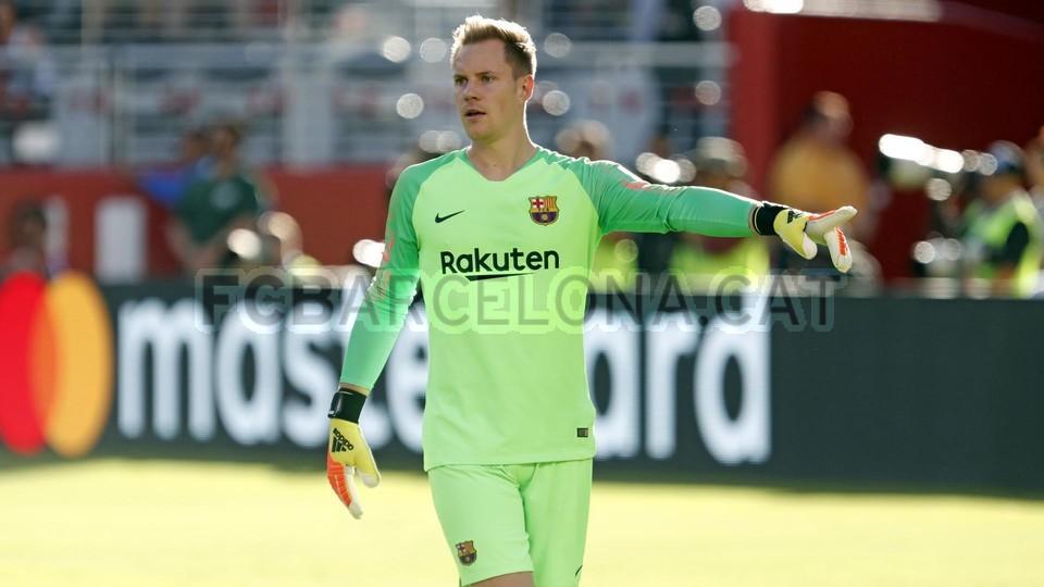 صور مباراة : برشلونة - ميلان 0-1 ( 05-08-2018 )  95385790
