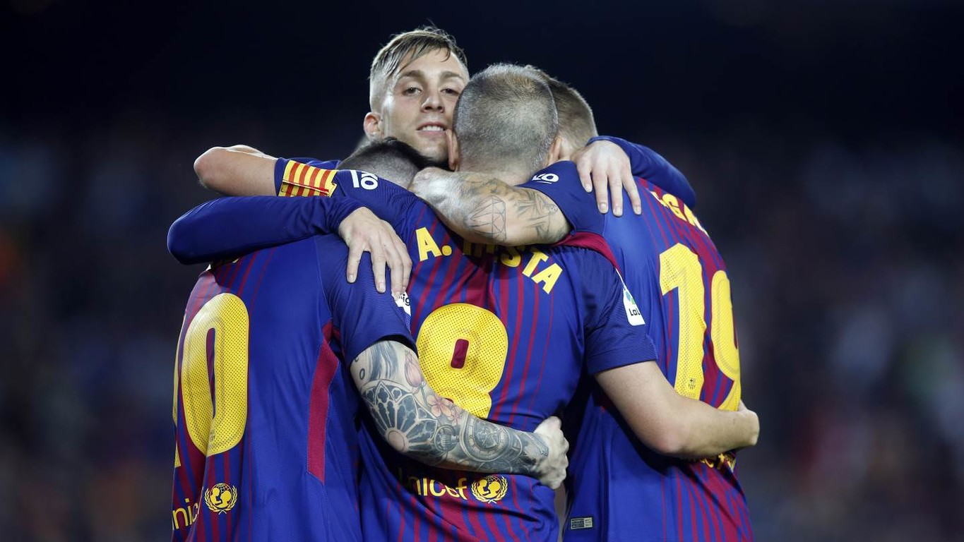 Gerard Deulofeu's opener after two minutes set Barça on their way to another home win, which keeps them at the top of the La Liga table