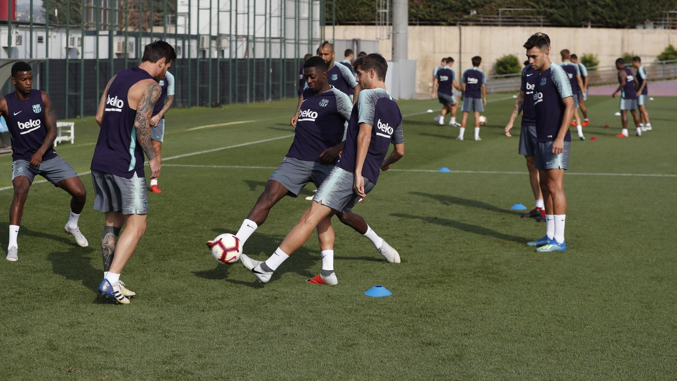 The FC Barcelona squad returned from two days off for a training session on Tuesday morning