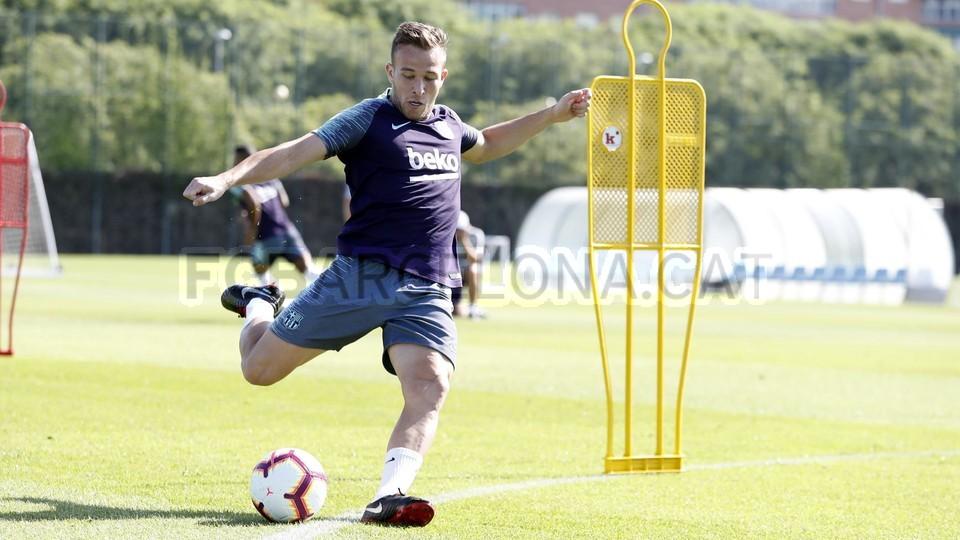 تدريبات مكثفة في برشلونة بعين على مباراة السبت Vs أتلتيك بيلباو 99864511