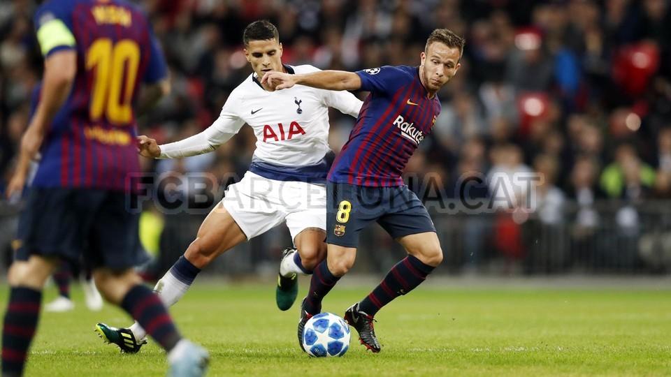 صور مباراة : توتنهام - برشلونة 2-4 ( 03-10-2018 )  100648132