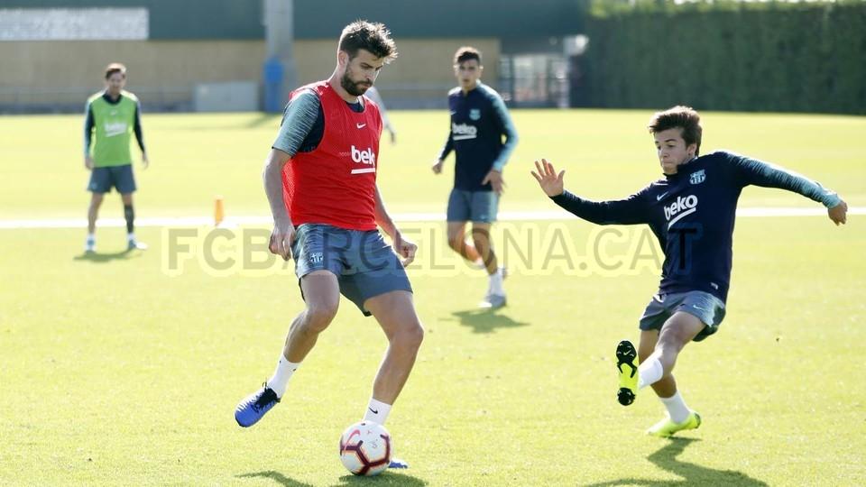 التدريبات متواصلة في برشلونة بانتظار التحاق آخر اللاعبين العائدين من المشاركة في المباريات الدولية مع منتخباتهم الوطنية 101157063