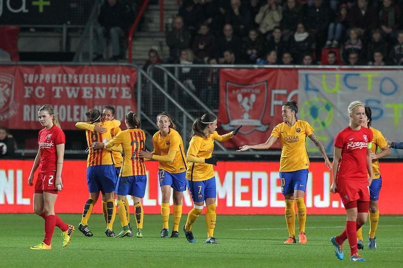 FC Barcelona v FC Twente: The Mini decides