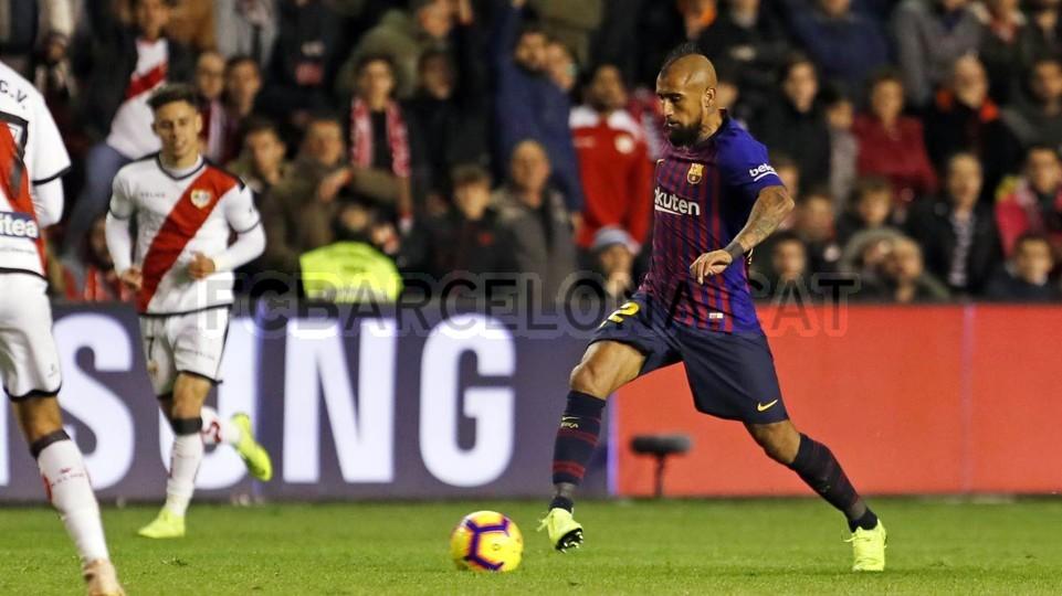 صور مباراة : رايو فاليكانو - برشلونة 2-3 ( 03-11-2018 )  102038472