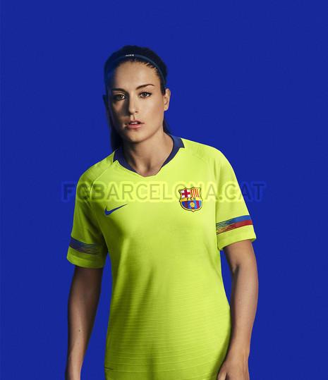 الأصفر لون قميص برشلونة الثاني لموسم 2018-2019 91891145