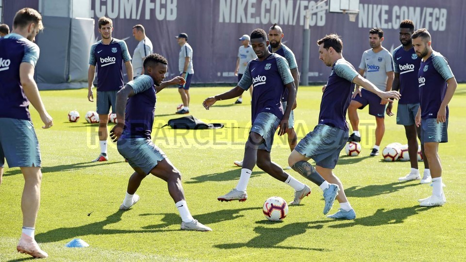 تدريبات مكثفة في برشلونة استعداداً لمباراة الأحد ضد جيرونا 21-09-2018 99236553