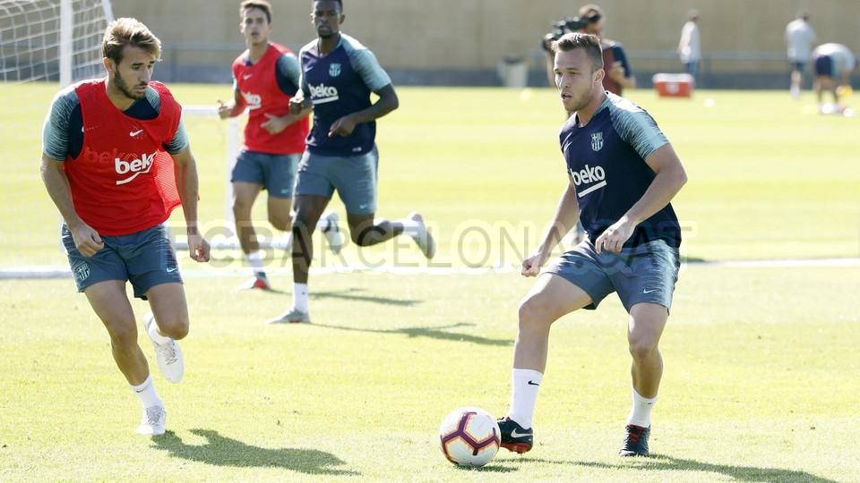 تدريبات مكثفة في برشلونة بعين على مباراة السبت Vs أتلتيك بيلباو 99864523