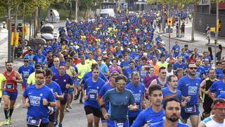 La Cursa Barça omple els carrers de les d'esport i barcelonisme