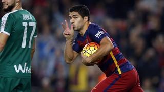 El hat-trick de Luis Suárez contra el Eibar en el Camp Nou