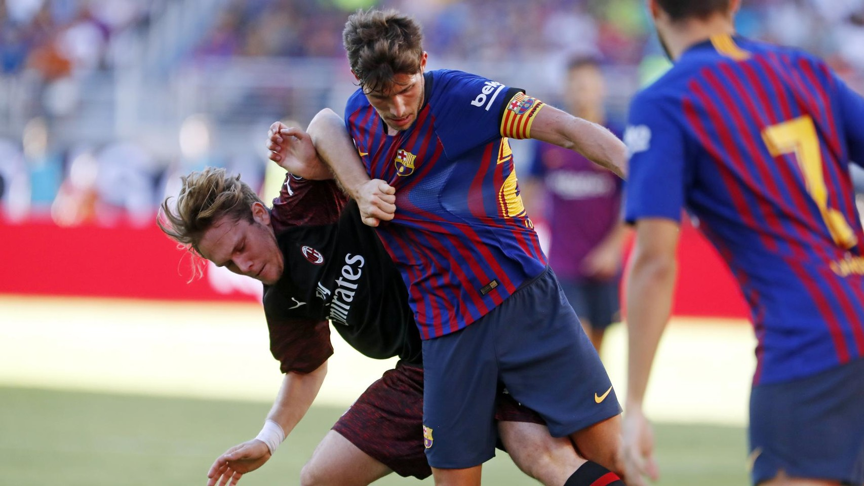 صور مباراة : برشلونة - ميلان 0-1 ( 05-08-2018 )  95385814