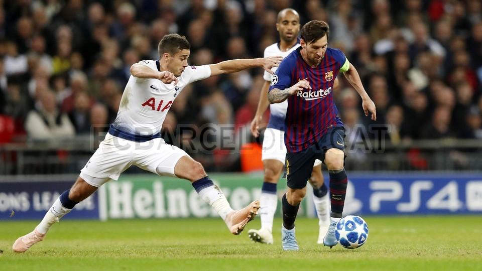 صور مباراة : توتنهام - برشلونة 2-4 ( 03-10-2018 )  100648152