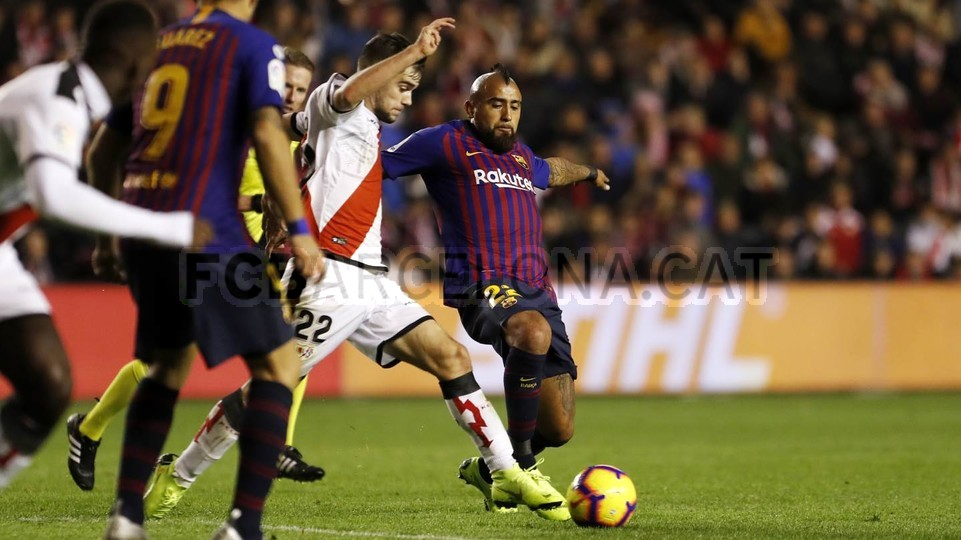 صور مباراة : رايو فاليكانو - برشلونة 2-3 ( 03-11-2018 )  102038490