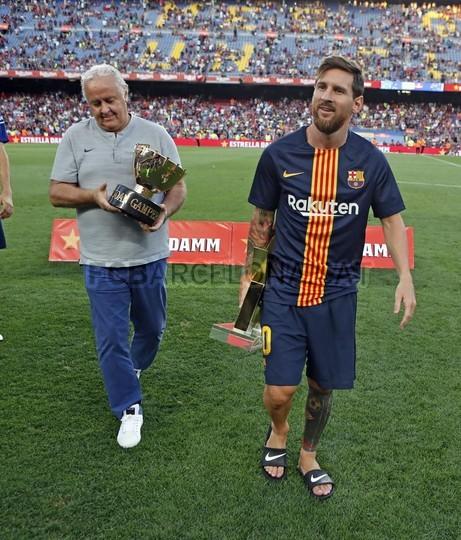 صور مباراة : برشلونة - بوكا جونيورز ( 16-08-2018 )  96023830