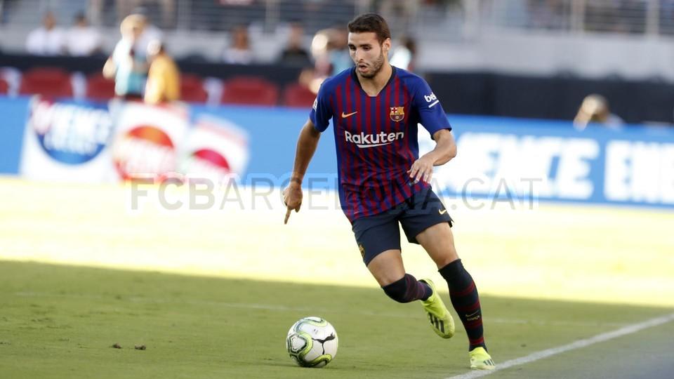 صور مباراة : برشلونة - ميلان 0-1 ( 05-08-2018 )  95385820