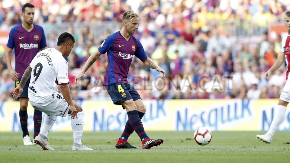 صور مباراة : برشلونة - هويسكا 8-2 ( 02-09-2018 )  97419486
