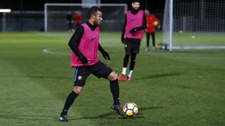 O jogador brasileiro volta a estar disponível após oito meses de recuperação. Saiba mais!