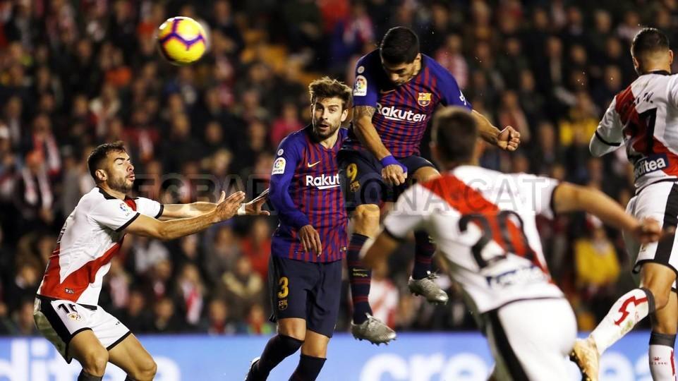 صور مباراة : رايو فاليكانو - برشلونة 2-3 ( 03-11-2018 )  102038496