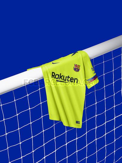 الأصفر لون قميص برشلونة الثاني لموسم 2018-2019 91891169