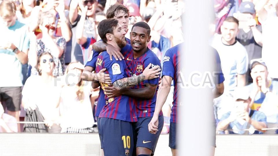 صور مباراة : برشلونة - بوكا جونيورز ( 16-08-2018 )  95974370