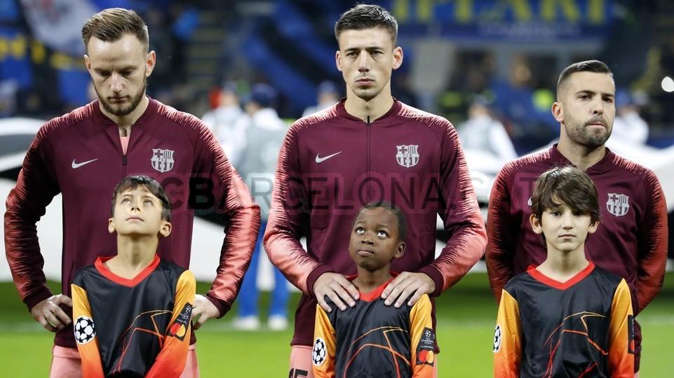 صور مباراة : إنتر ميلان - برشلونة 1-1 ( 06-11-2018 )  102198500